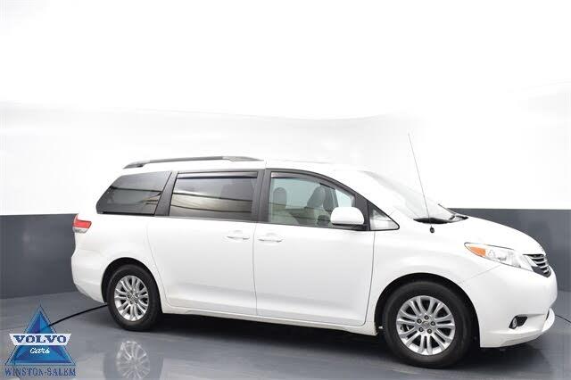 2014 Toyota Sienna XLE 8-Passenger