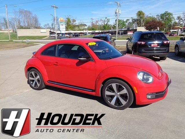 2012 Volkswagen Beetle Turbo with Sound and Navigation