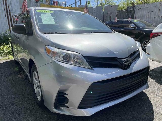 2019 Toyota Sienna L 7-Passenger FWD