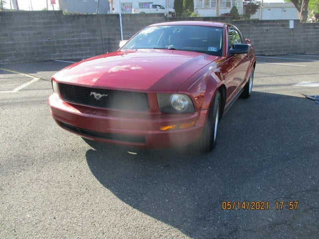 2008 Ford Mustang V6 Premium Coupe RWD