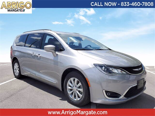 2017 Chrysler Pacifica Touring L FWD