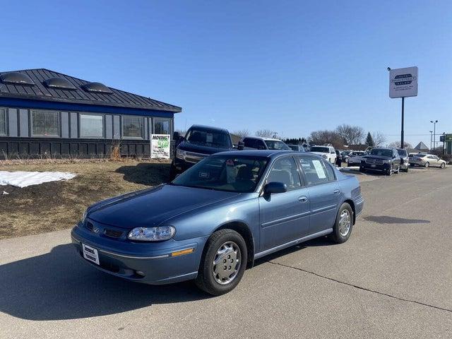 1997 Oldsmobile Cutlass 4 Dr STD Sedan