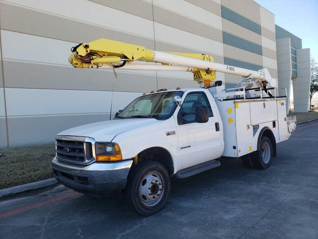 2001 Ford F-550 Super Duty Chassis Crew Cab DRW RWD
