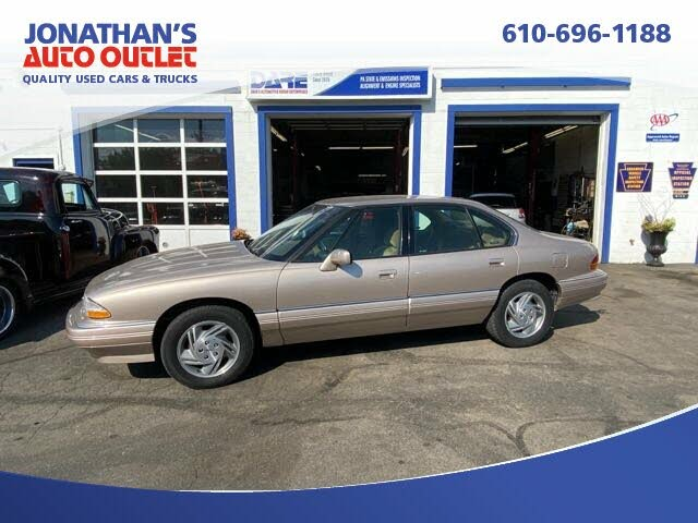 1995 Pontiac Bonneville 4 Dr SE Sedan