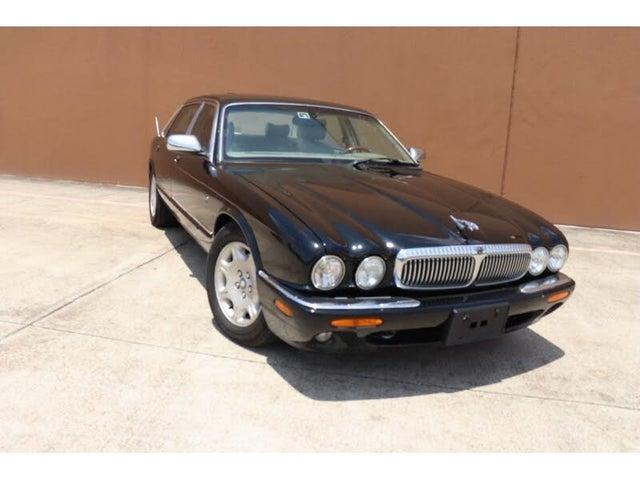 2002 Jaguar XJ-Series XJ Vanden Plas RWD