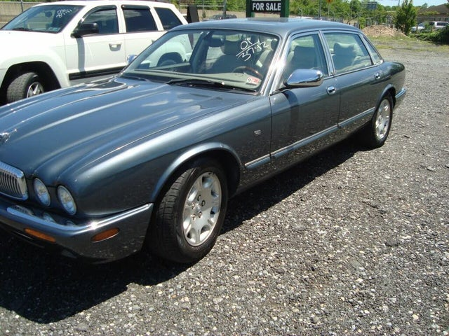 2001 Jaguar XJ-Series XJ Vanden Plas RWD