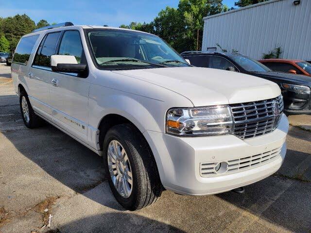 2013 Lincoln Navigator L RWD