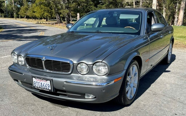 2004 Jaguar XJ-Series XJ8 RWD