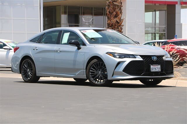 2020 Toyota Avalon Hybrid XSE FWD