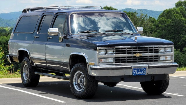 1990 Chevrolet Suburban V1500 4WD