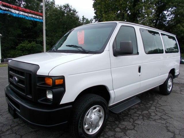 2011 Ford E-Series E-350 XL Super Duty Passenger Van