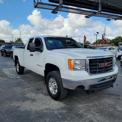 2007 GMC Sierra 2500HD 2 Dr SLE1 Extended Cab Long Bed 4WD