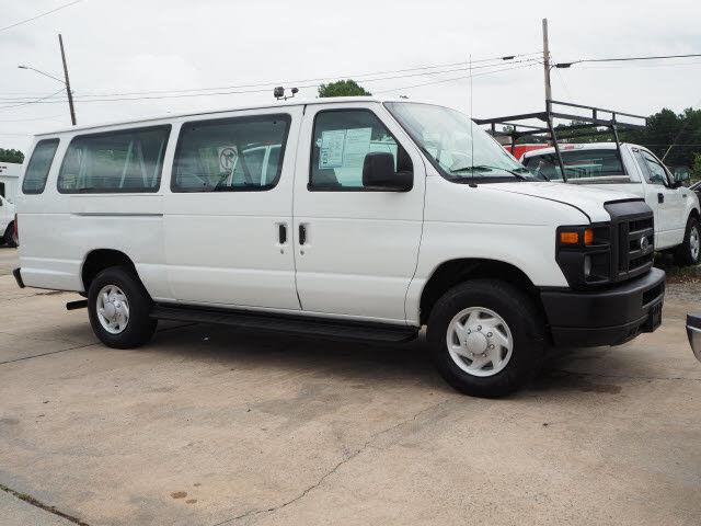 2008 Ford E-Series E-350 Super Duty Extended Passenger Van
