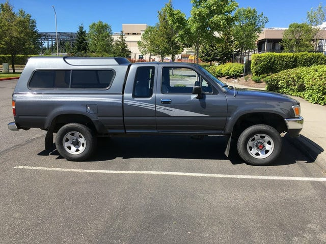1993 Toyota Pickup 2 Dr Deluxe 4WD Extended Cab SB