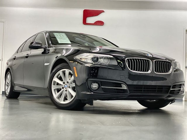 2016 BMW 5 Series 528i Sedan RWD