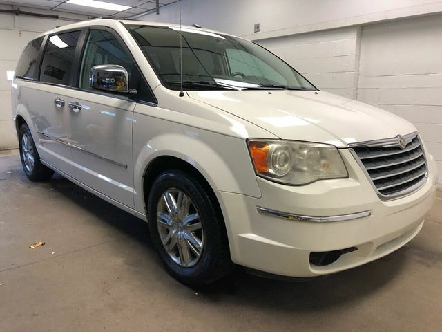 2010 Chrysler Town & Country 2010.5 Limited FWD
