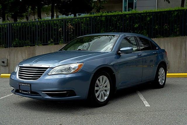 2011 Chrysler 200 Touring Sedan FWD