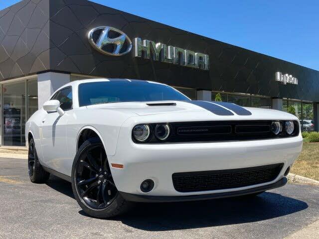 2017 Dodge Challenger SXT Plus RWD