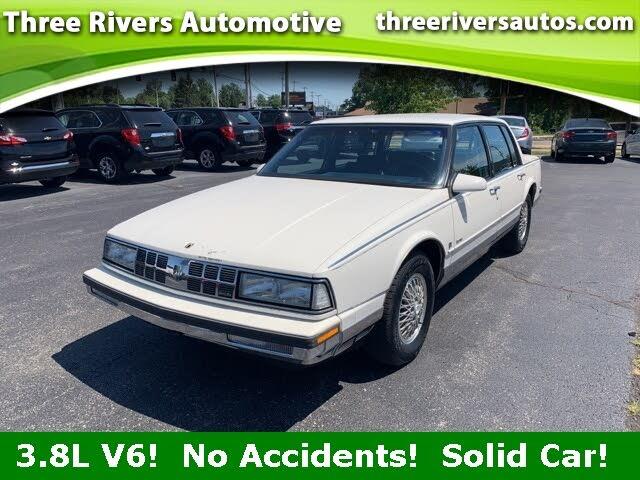 1990 Oldsmobile Ninety-Eight 4 Dr Regency Brougham Sedan