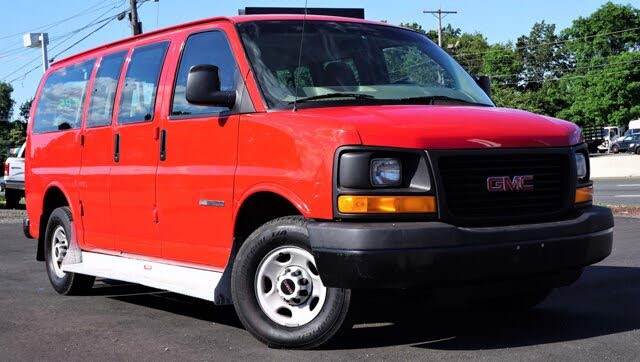 2003 GMC Savana 3500 Passenger Van