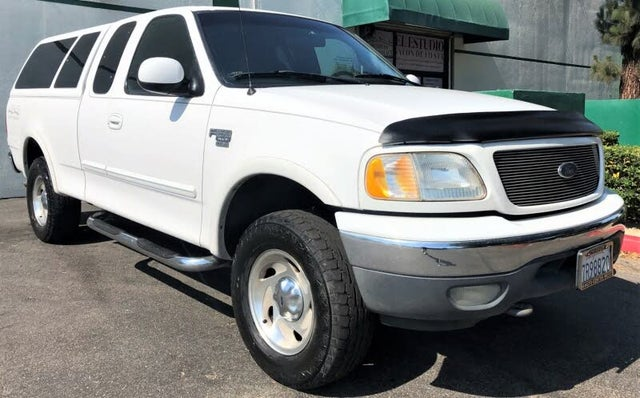 2000 Ford F-150 XL 4WD Extended Cab SB