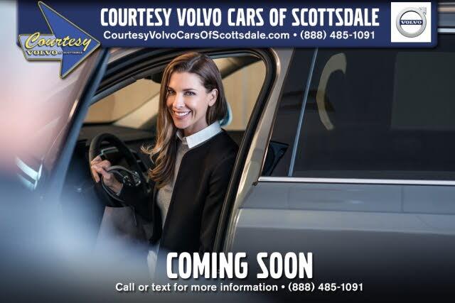 2019 Volvo XC90 T5 Momentum AWD
