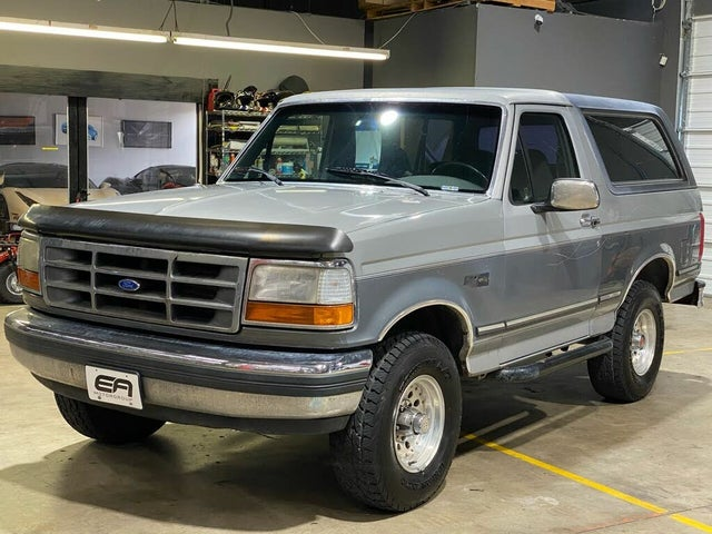 1992 Ford Bronco Custom 4WD