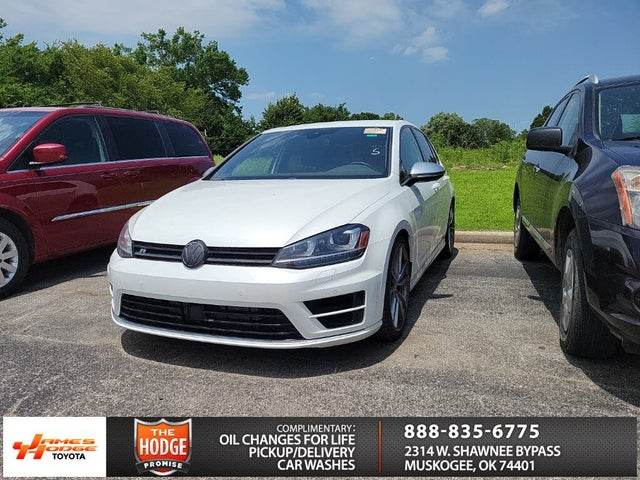 2017 Volkswagen Golf R 4-Door AWD with DCC and Navigation
