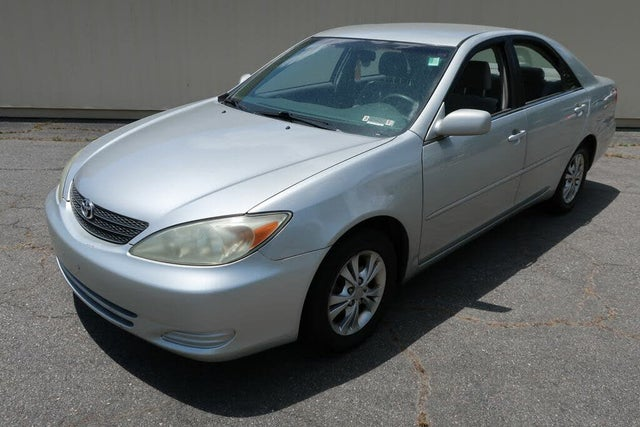 2004 Toyota Camry LE V6 FWD