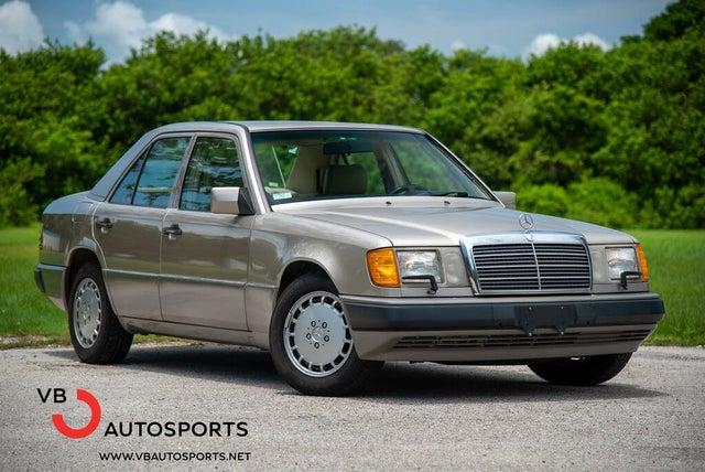 1992 Mercedes-Benz 300-Class 4 Dr 300E Sedan