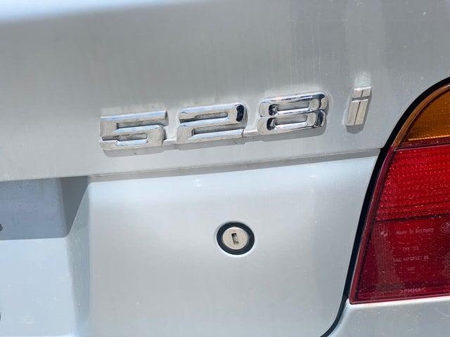 2000 BMW 5 Series 528i Sedan RWD
