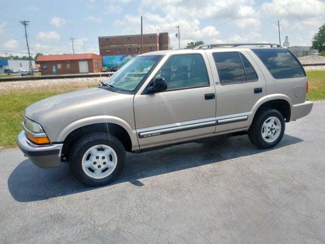 1998 Chevrolet Blazer LS 4-Door 4WD