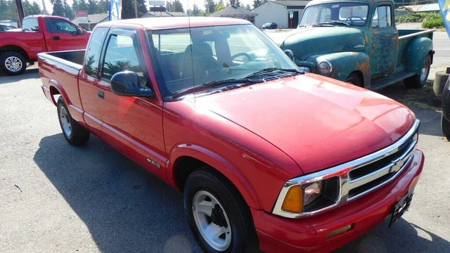 1994 Chevrolet S-10 LS Extended Cab RWD