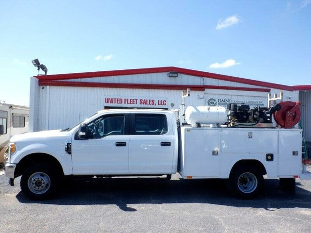 2017 Ford F-350 Super Duty Chassis XL Crew Cab DRW 4WD