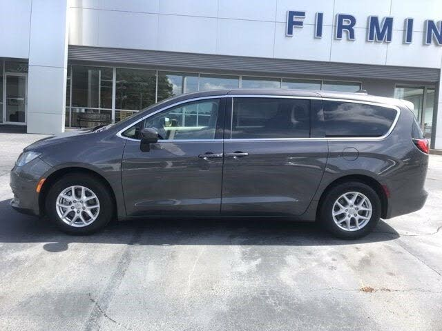 2020 Chrysler Voyager LX FWD