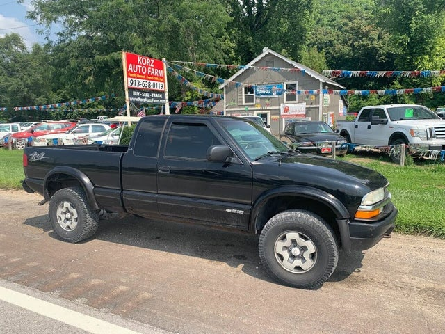 2003 Chevrolet S-10 LS ZR2 Extended Cab 4WD