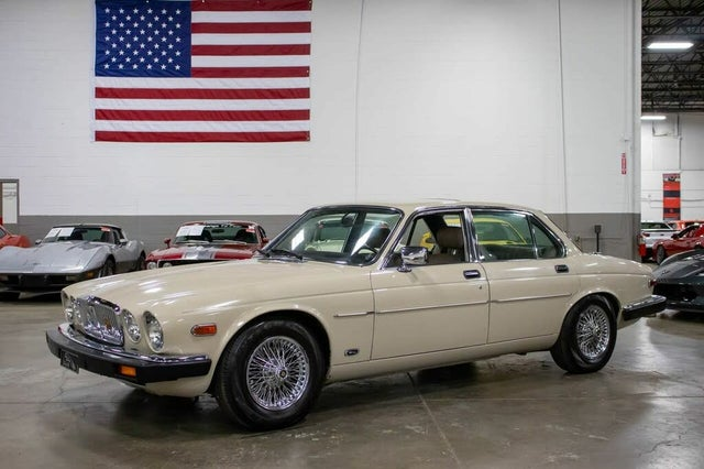 1985 Jaguar XJ-Series XJ6 Sedan RWD