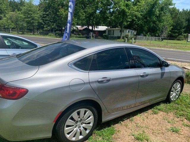 2015 Chrysler 200 LX Sedan FWD