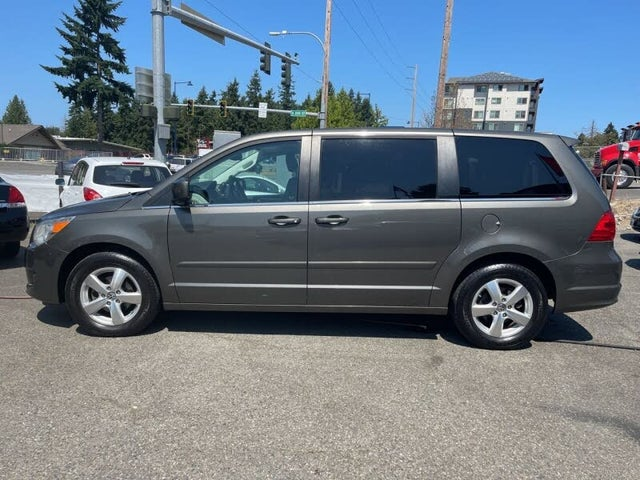 2010 Volkswagen Routan SE with RSE and Nav