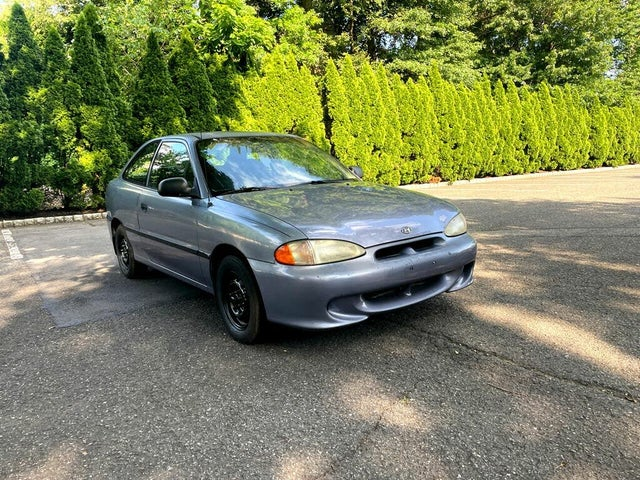 1997 Hyundai Accent GS 2-Door Hatchback FWD