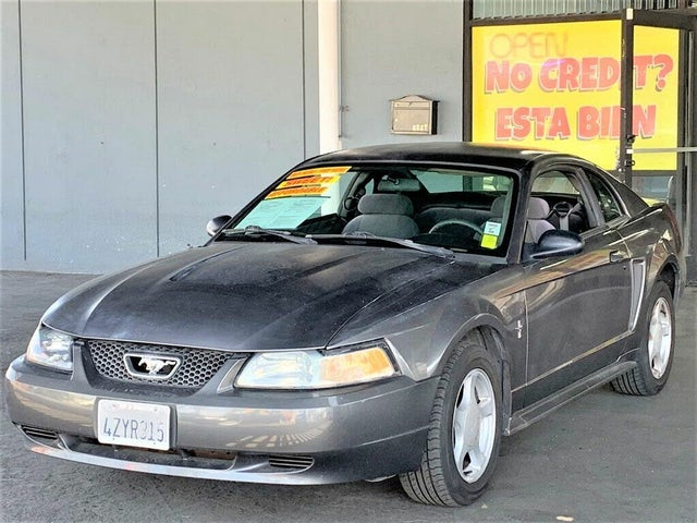 2003 Ford Mustang Deluxe Coupe RWD