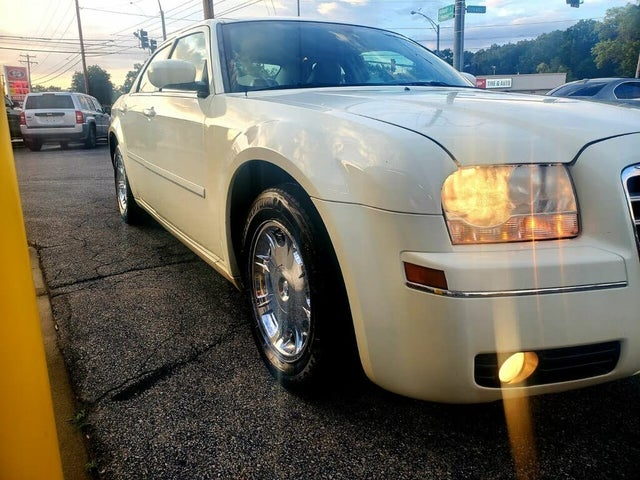 2005 Chrysler 300 Touring RWD