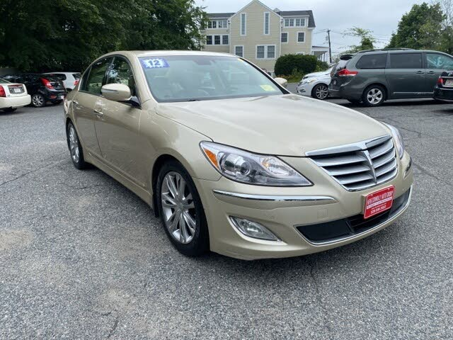2012 Hyundai Genesis 3.8 RWD