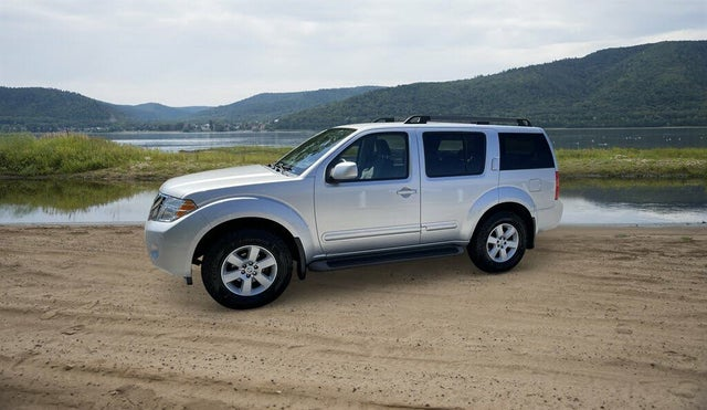 2011 Nissan Pathfinder SV 4WD