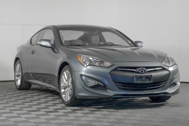 2016 Hyundai Genesis Coupe 3.8 RWD with Gray Interior