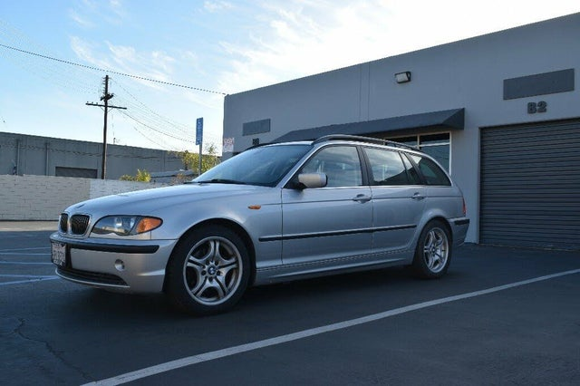 2003 BMW 3 Series 325i Wagon RWD