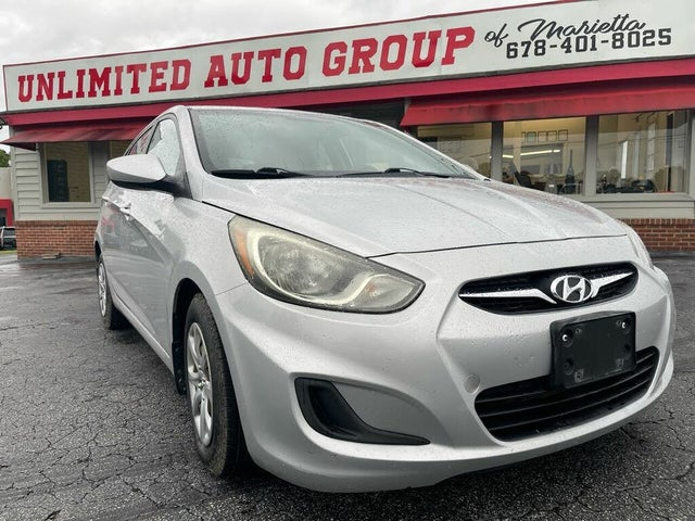 2012 Hyundai Accent GS 4-Door Hatchback FWD