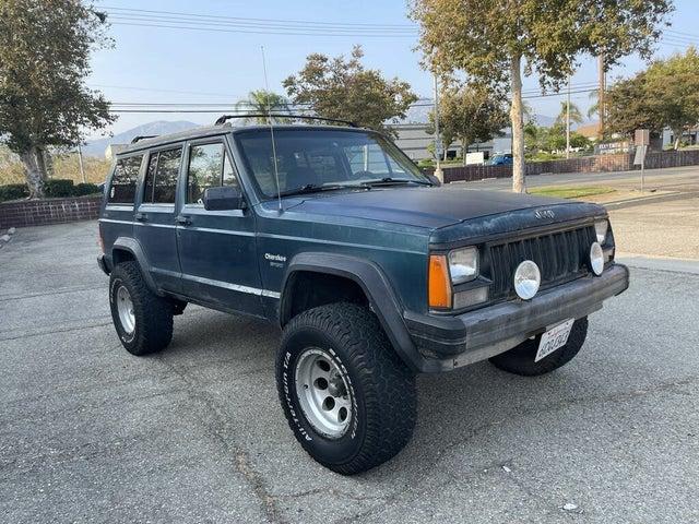 1995 Jeep Cherokee Sport 4-Door RWD