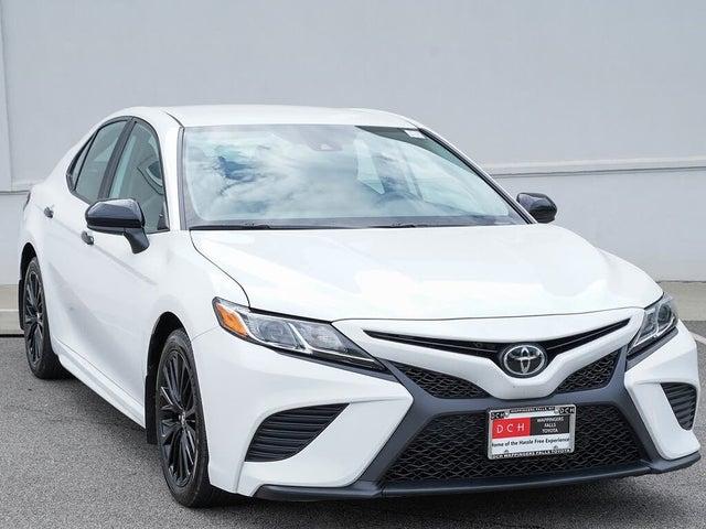 2020 Toyota Camry SE Nightshade FWD