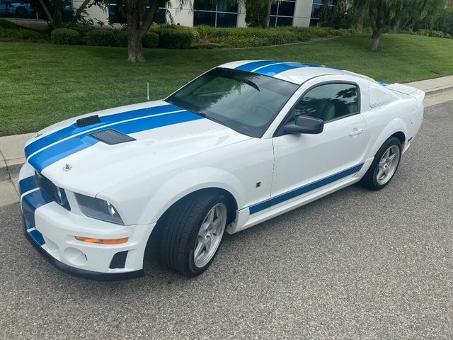 2006 Ford Mustang V6 Premium Coupe RWD